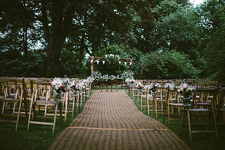 Outdoor woodland wedding ceremony Cork (pic by Savo Photography)